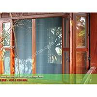 Cửa chống muỗi dạng xếp màu vân gỗ HM022