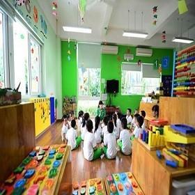 Lai Châu triển khai lắp cửa chống muỗi cho các trường mầm non