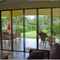 Bảo vệ sức khỏe với cửa lưới chống muỗi