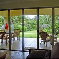 Cấu tạo và ưu điểm của cửa lưới chống muỗi dạng xếp và dạng lùa