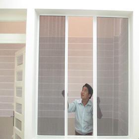 Lắp cửa lưới chống muỗi thoải mái mở cửa sổ cả đêm