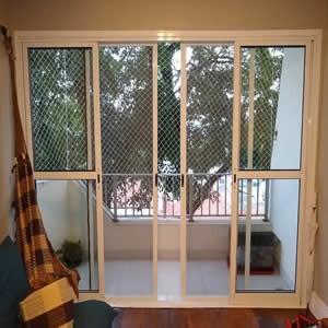 Cửa lưới chống muỗi dạng lùa màu Vân gỗ HM055
