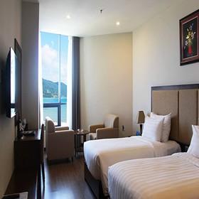 Khách sạn cao cấp không thể thiếu cửa lưới chống muỗi